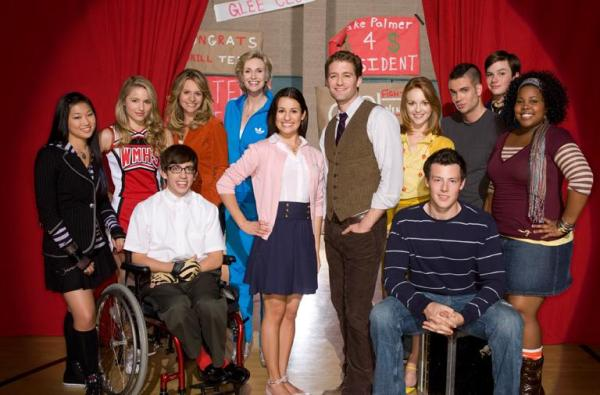 Glee cast photo
