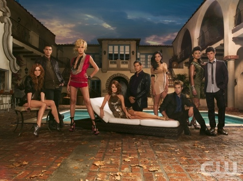 Melrose Place 2.0 Pictured: (l-r) Ashlee Simpson-Wentz as Violet, Colin Egglesfield as Auggie, Katie Cassidy as Ella,  Laura Leighton as Sydney, Thomas Calabro as Dr. Michael Mancini, Stephanie Jacobsen as Lauren, Shaun Sipos as David,  Jessica Lucas as Riley, Michael Rady as Jonah. Photo Credit: Frank Ockenfels/The CW ©2009 The CW Network, LLC.  All rights reserved.